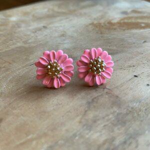 Eloise – Oorsteker met bloempje