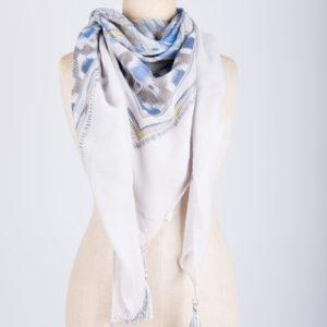 Sjaal met print en fronsjes