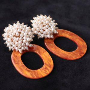 Handmade Resin Oorsteker Met Geclusterde Glasparels.