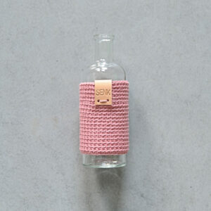 Glazen Vaas 'Miss Bottle' met gehaakt jasje